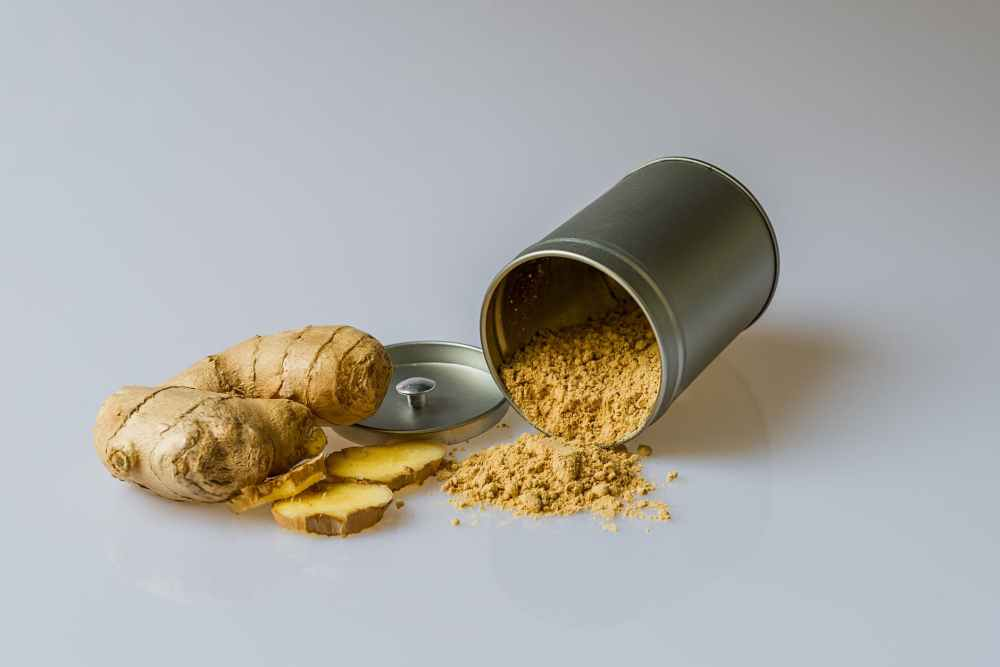 ginger and turmeric powder