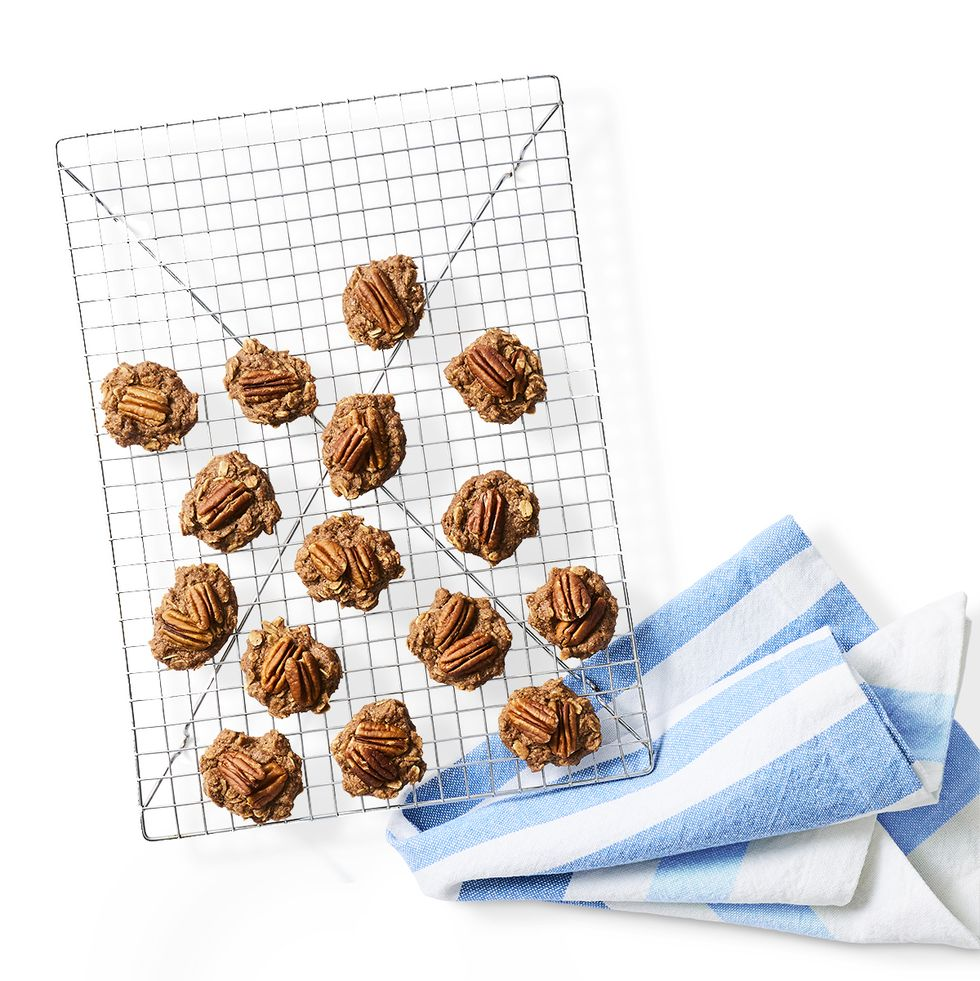 oatmeal pecan cookie